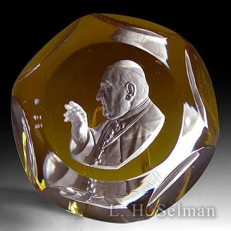 Baccarat Pope John XXIII sul- phide on yellow or red/facets by Baccarat Moderns