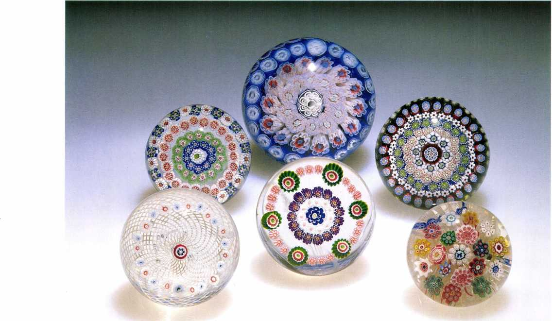 The Art of the Paperweight Lawrence H. Selman 1.10 Antique millefiori weights from (top) Baccarat, Bacchus, and Saint Louis New