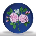 Lot 131 Victor Trabucco 1986 two pink roses magnum paperweight