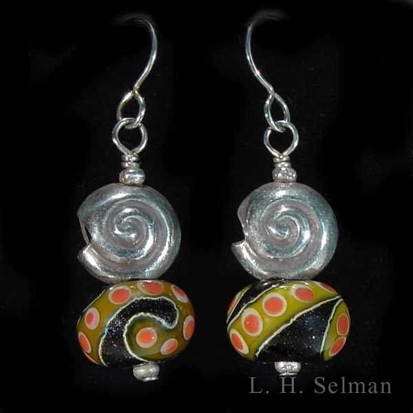 Wayne Robbins Shell glass bead earrings. by Wayne Robbins