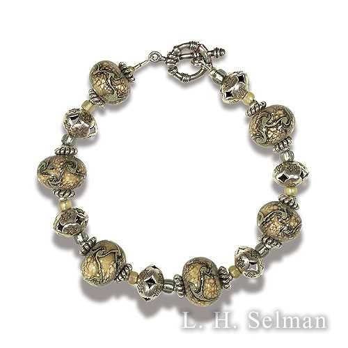 Ann Wasserman twisted silver glass bead bracelet. by Ann Wasserman
