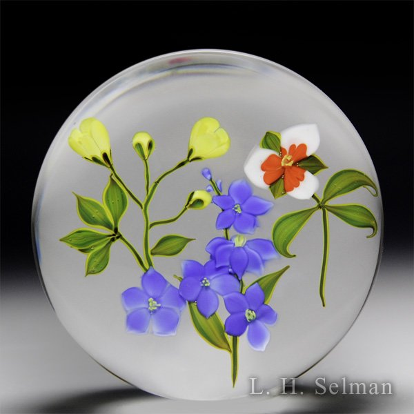 Paul Stankard 1976 limited edition three flower bouquet glass paperweight. by Paul Stankard