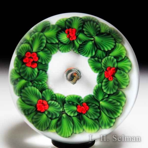 Lundberg Studios 1989 Christmas wreath and candle glass paperweight, by Daniel Salazar. by  Lundberg Studios