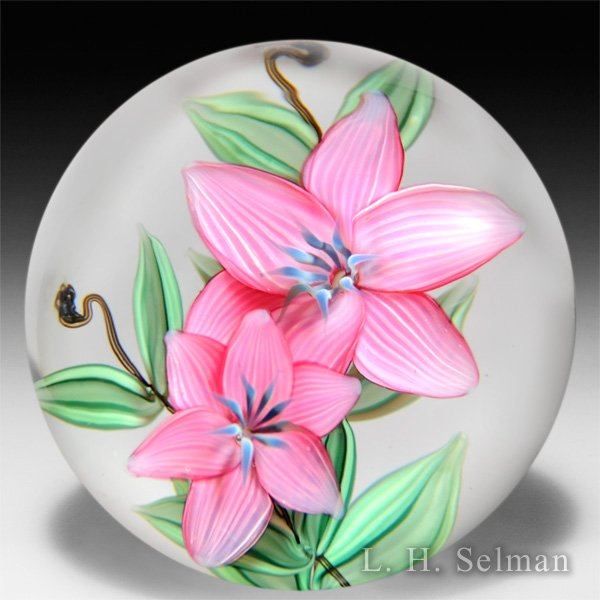 Steven Lundberg 1987 two pink and lavender blossoms compound glass paperweight. by  Lundberg Studios
