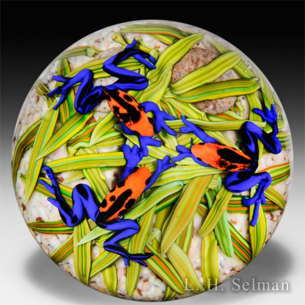 Cathy Richardson 2015 'Frog Gossip Group' glass paperweight. by Cathy Richardson