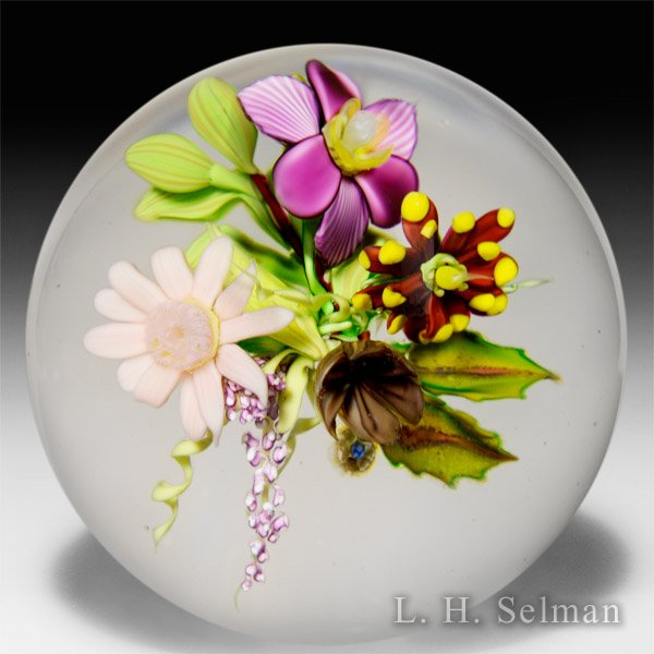 Eric Hansen 2015 multi-colored flower bouquet paperweight. by Eric Hansen
