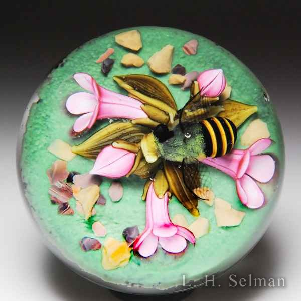 Clinton Smith 2017 bee and pink bell flowers miniature glass paperweight. by Clinton Smith