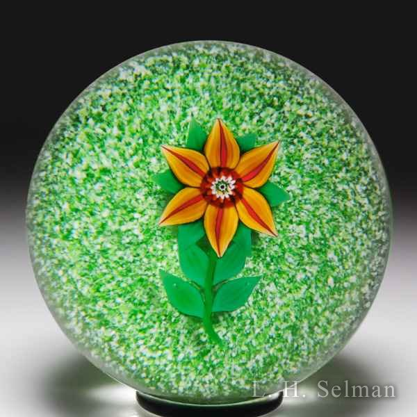 Paul Ysart clematis over jasper glass paperweight. by Paul Ysart