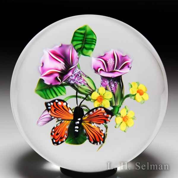 Ken Rosenfeld 2018 monarch butterfly and pink morning glories glass paperweight. by Ken Rosenfeld