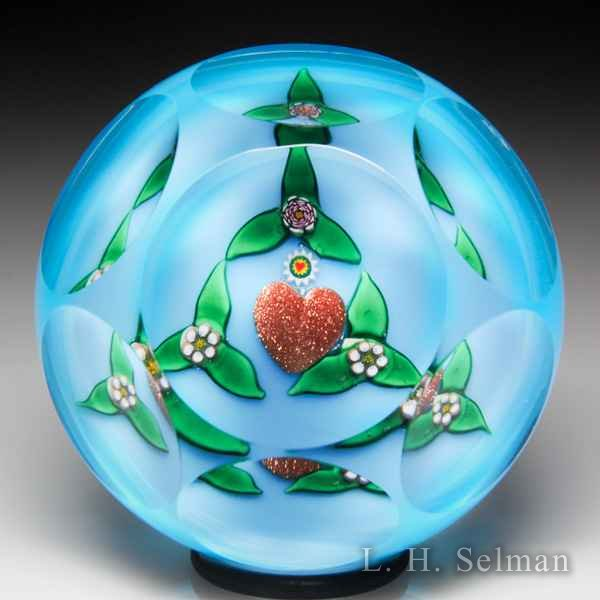 Charles Kaziun Junior gold heart miniature faceted glass paperweight. by Charles Kaziun Junior