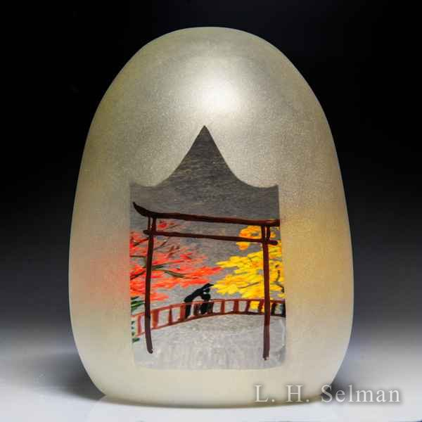 Alison Ruzsa 2017 silhouette parent and child on bridge overlay high-domed glass paperweight. by Alison Ruzsa