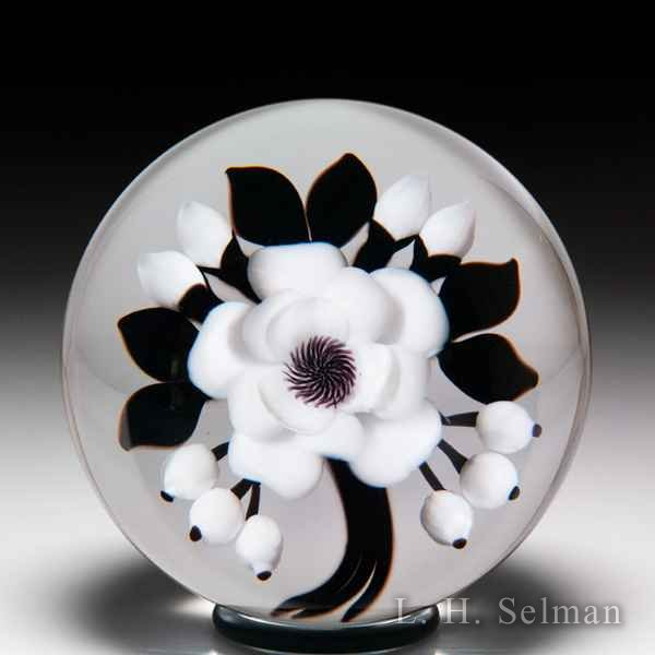 David & Jon Trabucco 1989 black and white bouquet glass paperweight. by Victor Trabucco