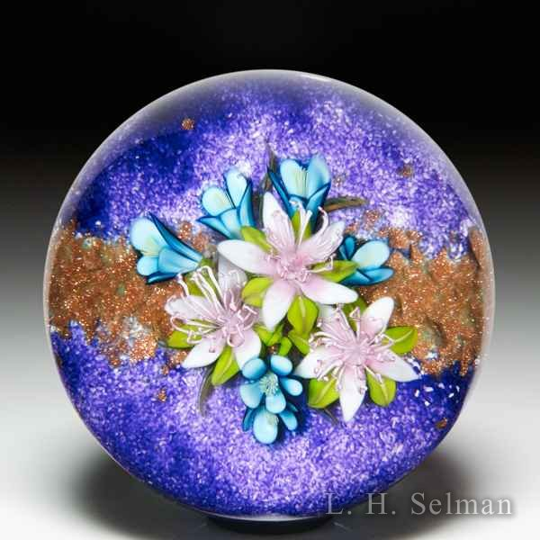 Ken Rosenfeld 2019 flower bouquet and aventurine pebbles paperweight. by Ken Rosenfeld