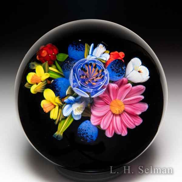Mayauel Ward 2020 flower bouquet paperweight. by Mayauel Ward