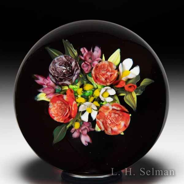 Melissa Ayotte 2020 carnations and daisy bouquet glass paperweight. by Melissa Ayotte