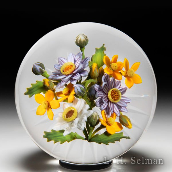 Gordon Smith 2020 daisy and loosestrife bouquet paperweight. by Gordon Smith